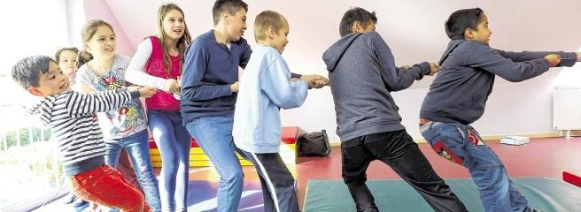 Kinder-Olympiade-beim-Mehrgenerationenhaus-der-IFAk-2-k7KD-656x240-DERWESTEN